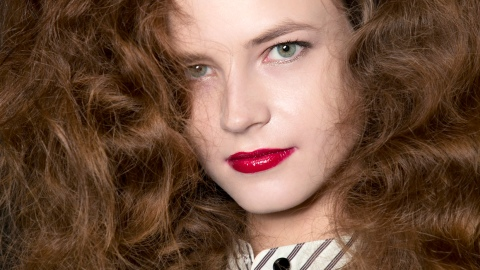 Ask an Expert: How Can I Tame Frizz Without Weighing Hair Down? | StyleCaster