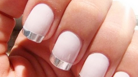 Metallic Manicures: The Latest Trend We're Loving | StyleCaster