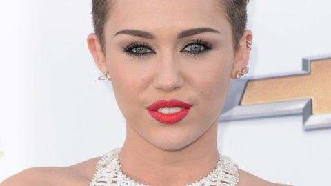The Pixie Haircut: 12 Ways to Style Your Short 'Do | StyleCaster
