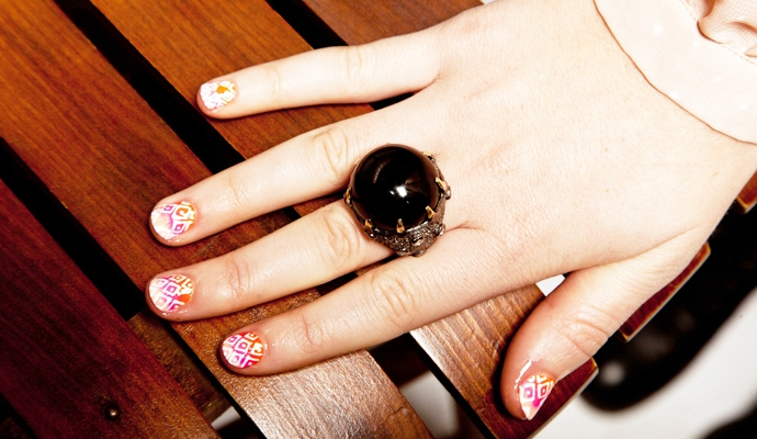 Nail Art DIY: Learn How To Get This Ombre Diamond Print Yourself