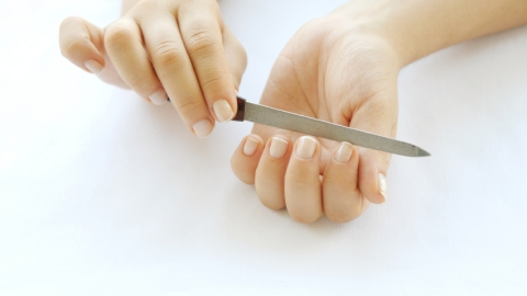 Ask an Expert: How Do I Keep My Nails From Peeling? | StyleCaster