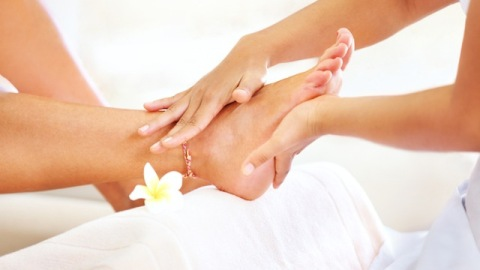 How To Get The Best At-Home Pedicure This Spring | StyleCaster