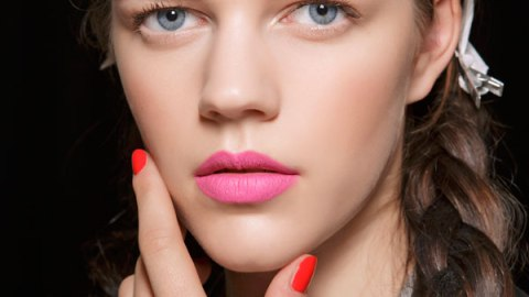 How to Keep Matte Lipstick Looking Fresh | StyleCaster