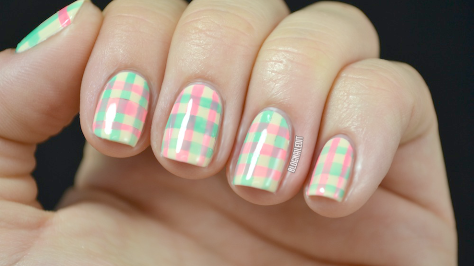 Learn How To Get These Fun Plaid Nails | StyleCaster
