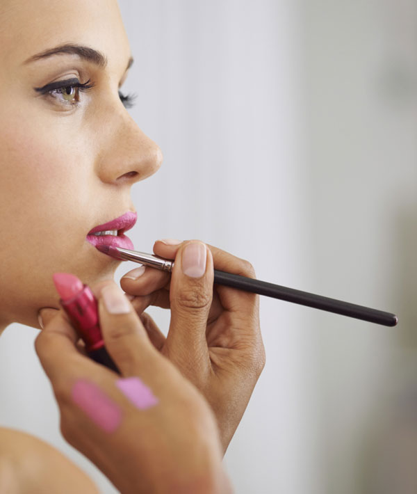 15 Pro Makeup Artist Tricks You Need To