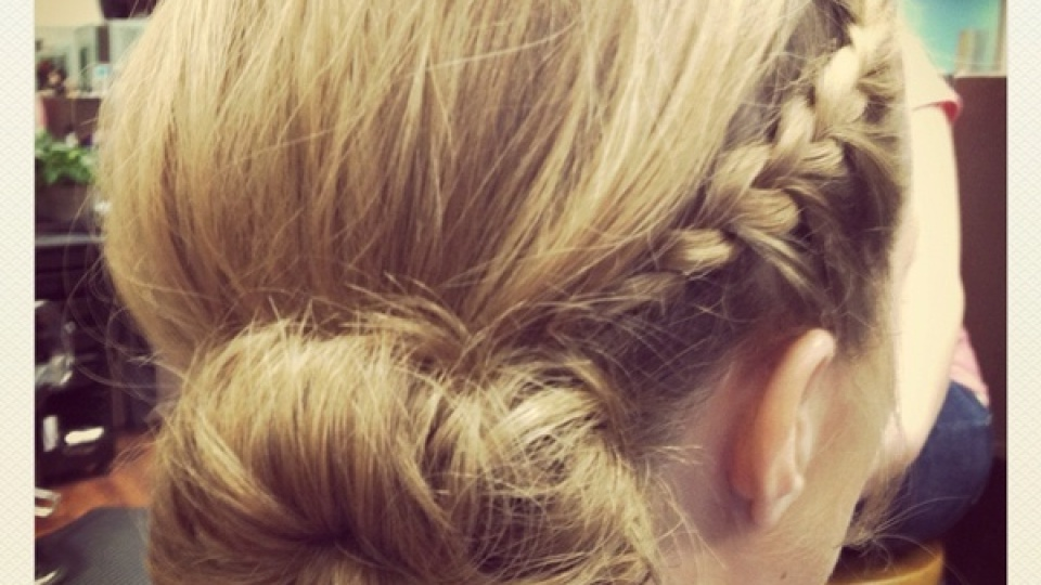 How To Get An Easy Updo For Prom | StyleCaster
