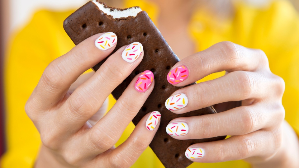 How To Get These Delicious Sprinkle Nails | StyleCaster