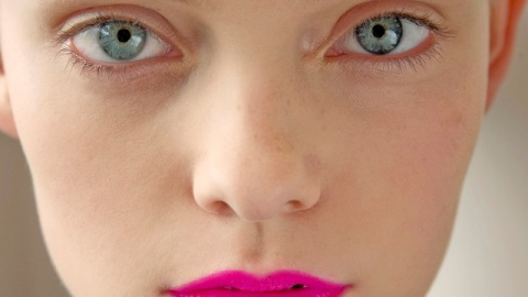 Fake It Until You Make It: A Perfectly Traced, Bold Lip | StyleCaster