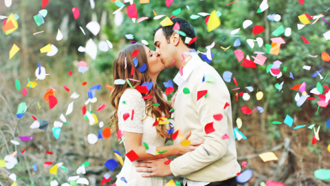 12 Engagement Photo Ideas That Are Wonderfully Extra | StyleCaster