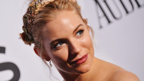 Steal Sienna Miller's Matte Lip From the Tony Awards For Your Next Date Night | StyleCaster