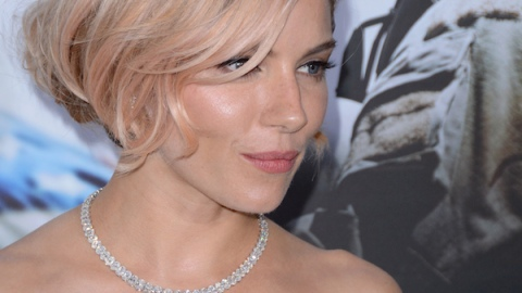 Did You Notice Sienna Is Still Rocking Rosegold?   StyleCaster
