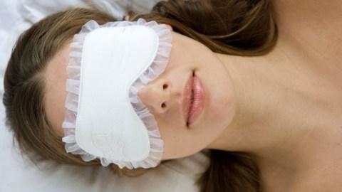 Give Yourself A Facial While You Sleep | StyleCaster