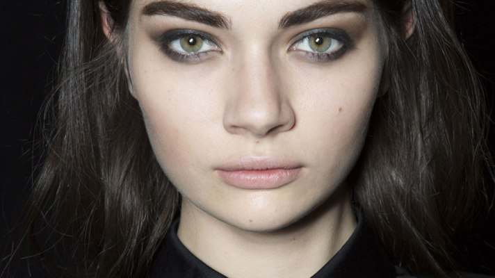 How to Cheat a Smokey Eye: 8 Products That Make Things Easier