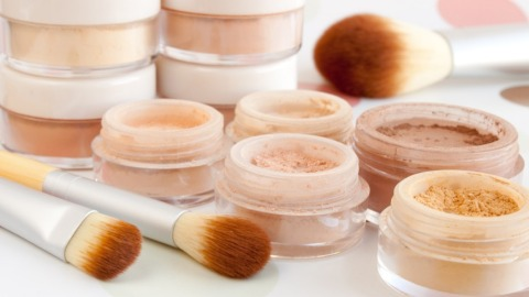12 Surprising Statistics About the Beauty Industry | StyleCaster
