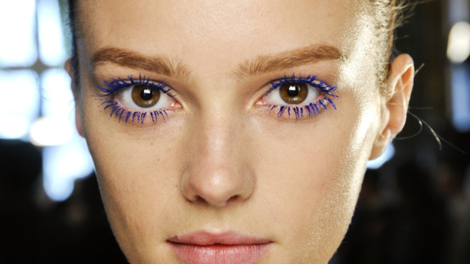 5 Ways to Wear Colored Mascara   StyleCaster