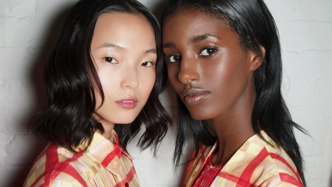Expert Tips and Tricks For Using Highlighter | StyleCaster