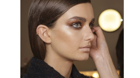 Beauty Buzz: Get Glossy, Night Out Eyes, White Nail Polish Is Taking Over, More | StyleCaster