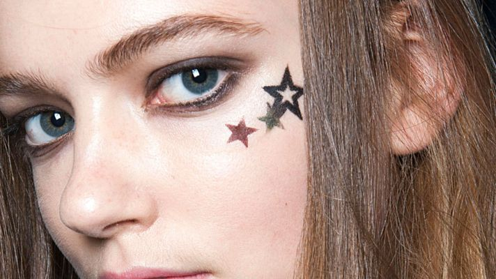 How to Wear a Face Tattoo This Spring Break