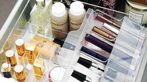 Beauty 101: When to Toss, Keep and Splurge on Makeup | StyleCaster