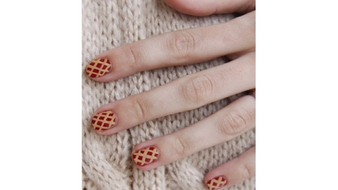 Turkey Day Nail Art Cute Enough to Be the Thanksgiving Table Centerpiece | StyleCaster