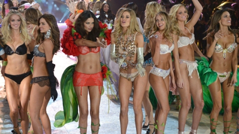 Victoria's Secret Fashion Show 2012: By the Numbers | StyleCaster
