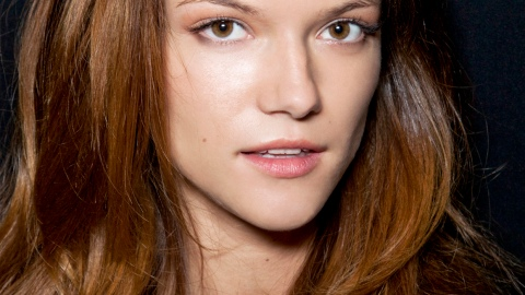 Fake It Until You Make It: How to Make Thick Hair Thinner | StyleCaster