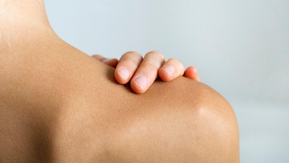 How Bleach Baths Saved My Skin   StyleCaster