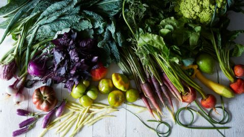 How To Cut 38 Fruits and Veggies | StyleCaster