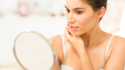 5 Ways Hormones Mess With Your Skin | StyleCaster