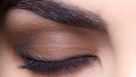 Cool Tips For Contouring Your Eyes  | StyleCaster