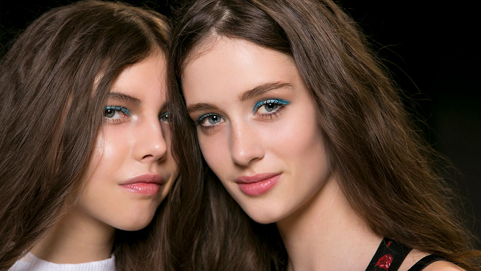Things to Know Before You Dye Your Hair Dark