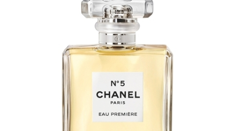 Chanel No. 5 Got A Fresh & Airy Update | StyleCaster