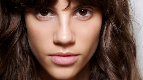 Pump It Up: 9 Ways to Strengthen Strands | StyleCaster