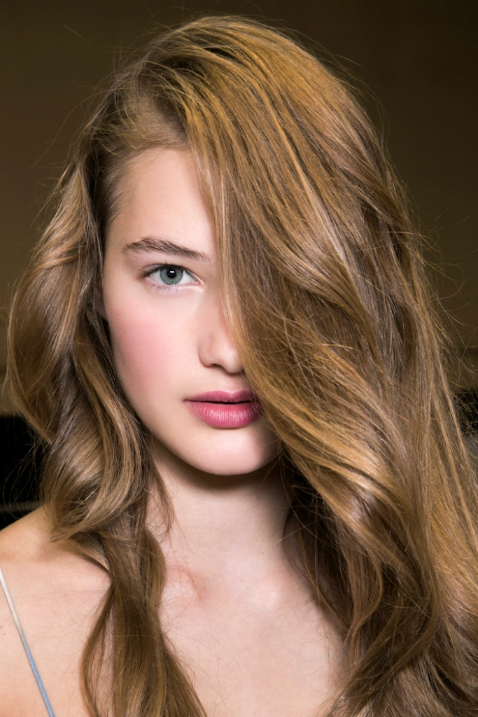 Girl with healthy hair
