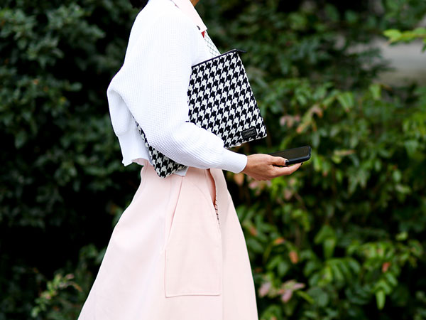 street style pink skirt and white shirt