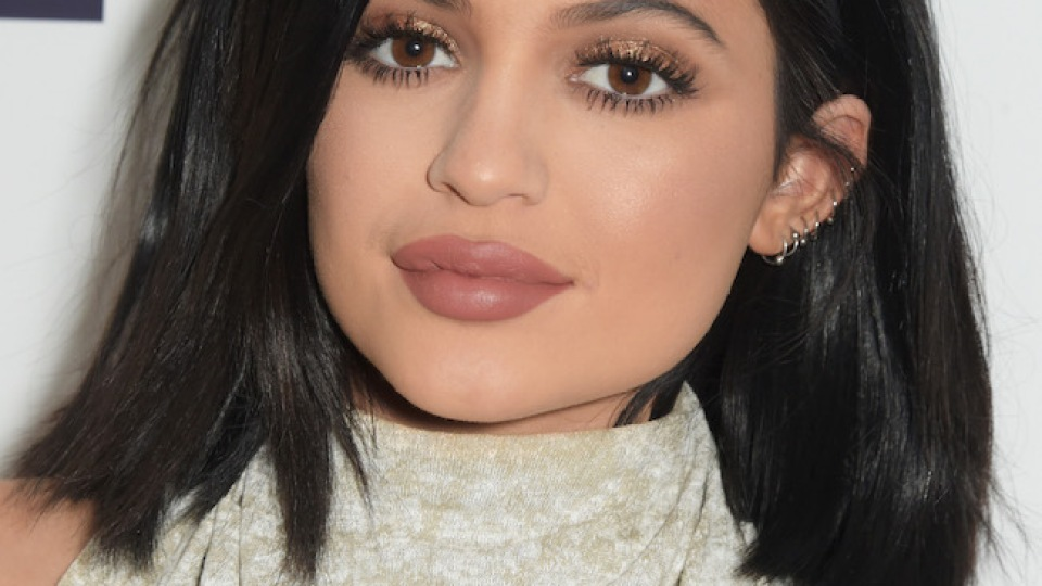 """Kylie Jenner Admits To """"Temporary Lip Fillers"""" 