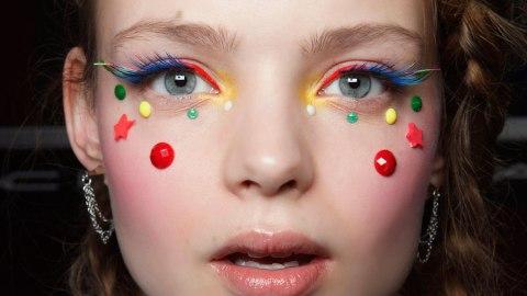 Rainbow Eyelashes: It's a Trend | StyleCaster