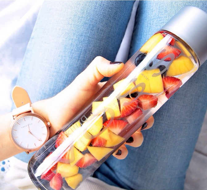 fruit detox water