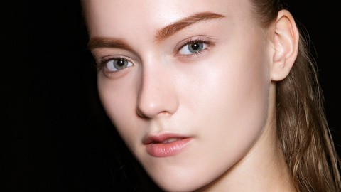 Darken Your Brows Without Tattoos | StyleCaster
