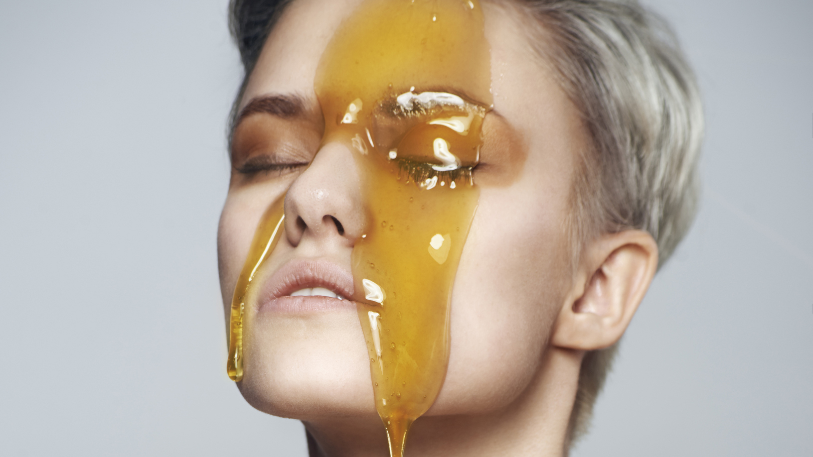 What It's Like to Swap Your Face Wash With Honey
