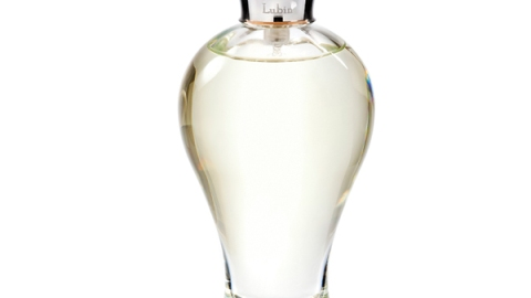 The New Floral Scent to Wear Now   StyleCaster