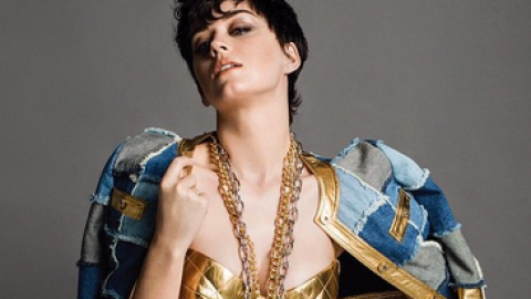 Katy Perry Bags Moschino Campaign  | StyleCaster
