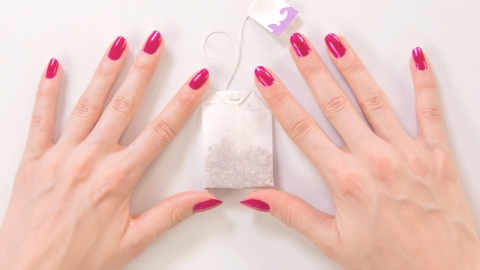 Fix a Broken Nail With a Tea Bag | StyleCaster