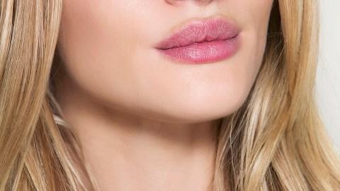 20 Beauty Uses for Vaseline | StyleCaster