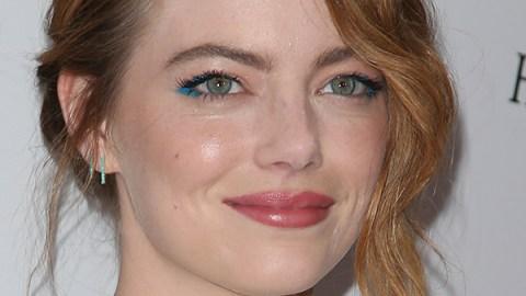 Emma Stone Brings Back Blue Liner   StyleCaster