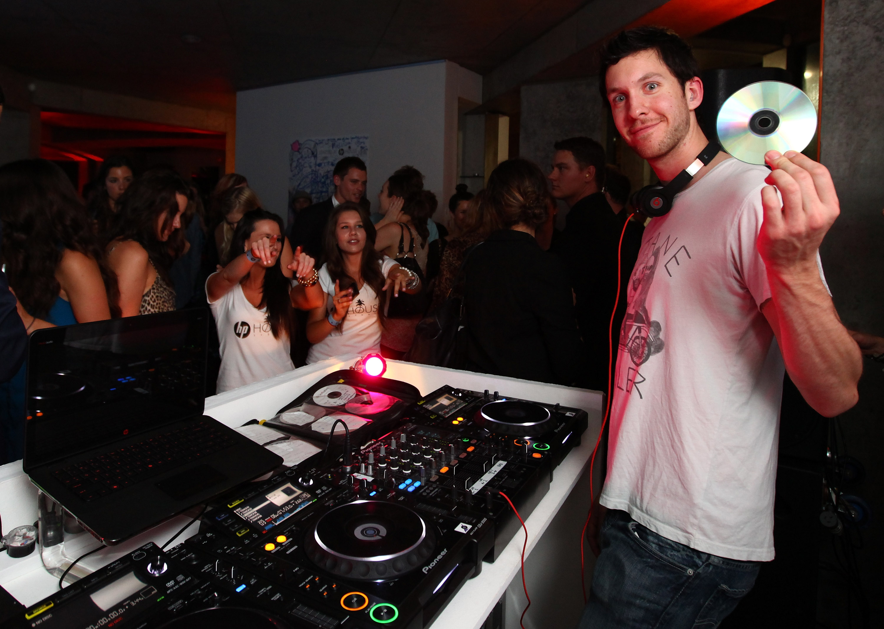 SYDNEY, AUSTRALIA - DECEMBER 01:  DJ Calvin Harris performs at the HP House Summer Beats launch party in Coogee on December 1, 2010 in Sydney, Australia.  (Photo by Don Arnold/WireImage)