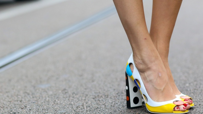 35 Ways to Wear Block Heels Like the Fashion Crowd (and 6 Perfect Pairs to Buy)