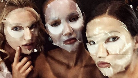 Fashion Girls' Best Beautifying Selfies   StyleCaster