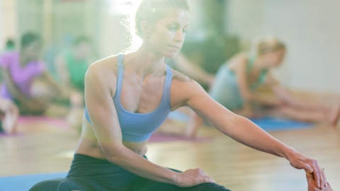 Hot Yoga: Does It Really Work?   StyleCaster