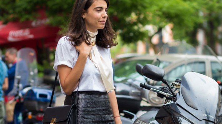 20 Outfits That Look Way Cooler With a Skinny Scarf